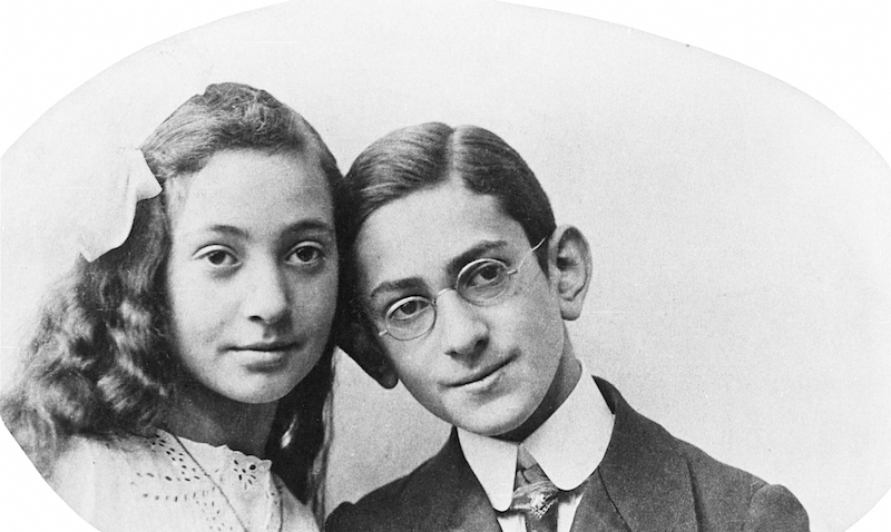 Fritz Bauer with his sister Margot